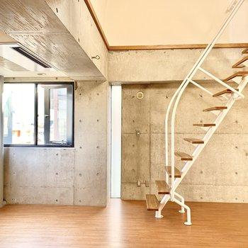 階段が絵になります。