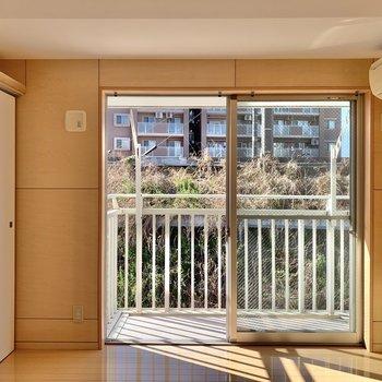 【3階洋室】日当たりの良い空間。※写真は前回募集時のものです