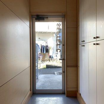 広めの玄関です。※写真は前回募集時のものです