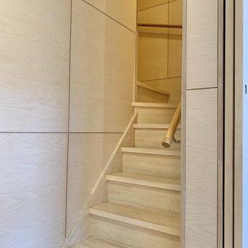階段を上がって2階へ。※写真は前回募集時のものです