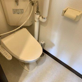 ウォシュレットつきのおトイレ