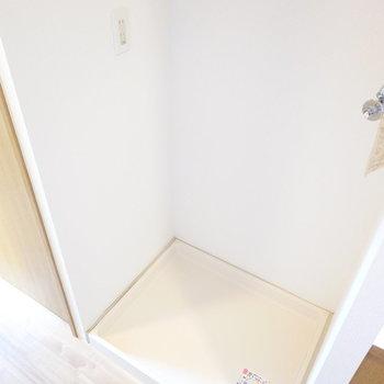 そして洗濯機置場。(※写真は4階の反転間取り角部屋のものです)