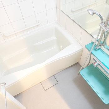 ゆったりバスルームですよ〜。浴室乾燥機付き!(※写真は7階の同間取り別部屋のものです)