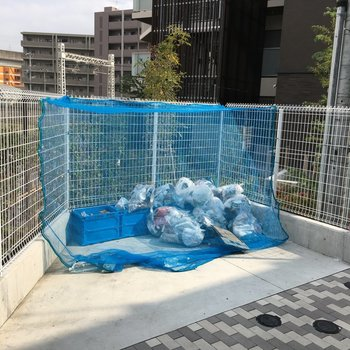 敷地内にゴミ捨て場も完備!