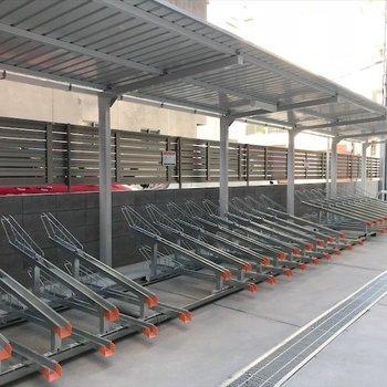 共用部】マンション裏に駐輪場・バイク置き場があります◎
