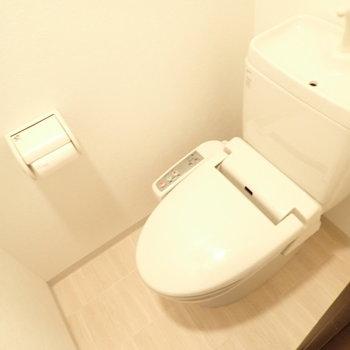 トイレはコンパクトです。
