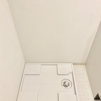 左隣に洗濯機置けます◎(※写真は3階の同間取り別部屋のものです)
