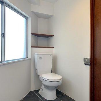 トイレは脱衣所と同室。スペースは広めです。