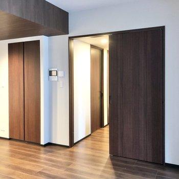 続いて2つのお部屋を見ていきましょう。※写真は6階の同間取り別部屋のものです