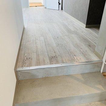 では洋室へ。洋室の床は木目ですね