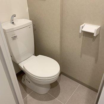シンプルで落ち着くおトイレ
