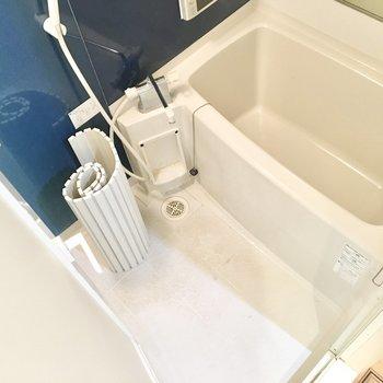 お風呂には浴室テレビ&乾燥機付き!