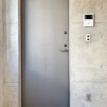 玄関にはシューズラックを置いておきましょう。