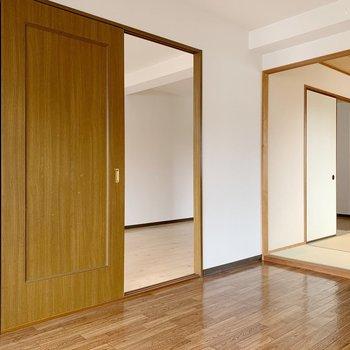 引き戸タイプなので、お部屋がスッキリと見えますね。
