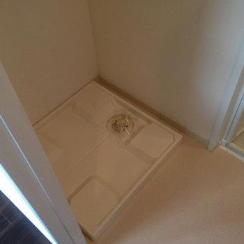 洗濯機は室内に置くことが出来ます。(※写真は5階の同間取り別部屋のものです)