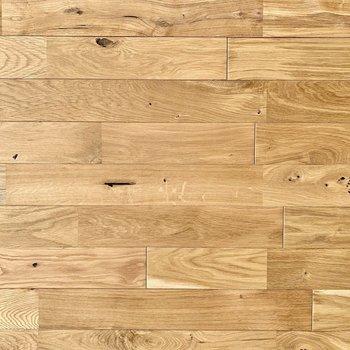 陽光を浴びる無垢床の表情をご覧ください。