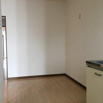 台所の横はかなり大きな使えるスペースがありました!