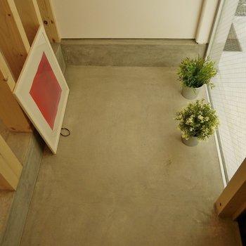 玄関にシューズボックスはなし!お洒落にディスプレイしてね!※写真は別室です。