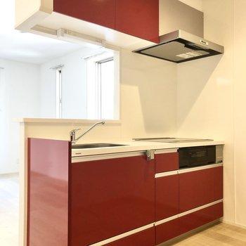 【LDK】キッチンは魚焼きグリルも付いていますね。