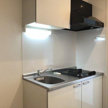 キッチンもホワイトでスッキリ。