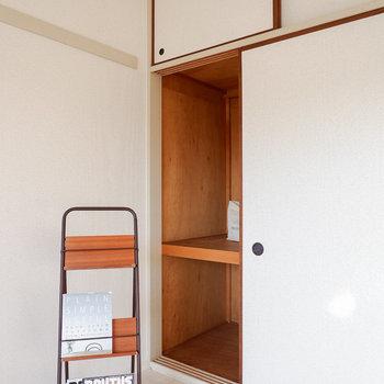 【洋室6帖】こちらにも押入れ収納がありますよ。※写真は3階の同間取り別部屋のものです