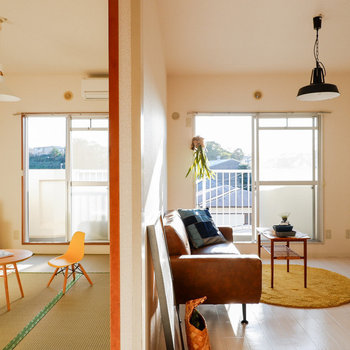 襖を開けると、開放感のある空間が広がります。※写真は3階の同間取り別部屋のものです