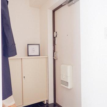 玄関土間は程良い広さ。※写真は3階の同間取り別部屋のものです