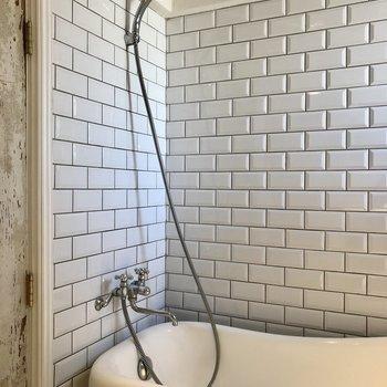 シャワーヘッドはこんな感じです。