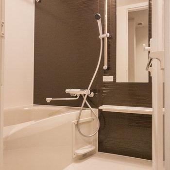 使いやすい広めのお風呂です