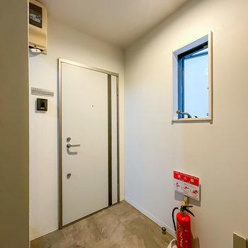 お部屋同様、共用部も綺麗。室内空間なので雨に濡れることもありません。