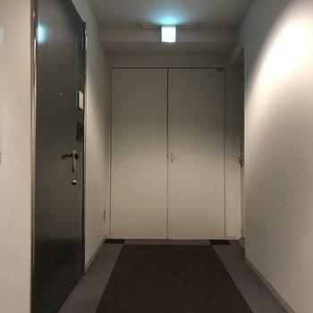 廊下はカーペットで足音が静かです。