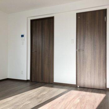 右側のドアがWICです。