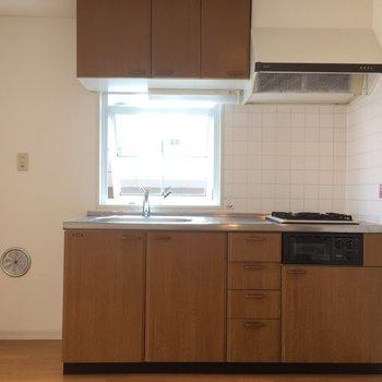 ブラウンに包まれたキッチン※写真は前回募集時のものです