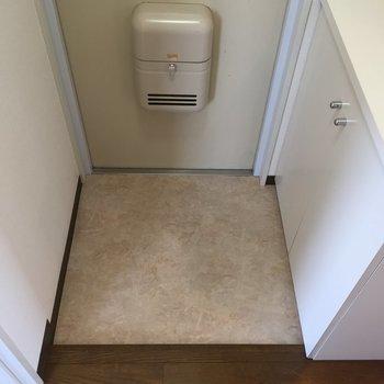 玄関はシンプルに※写真は前回募集時のものです