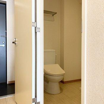 180°オープンのドアも嬉しいポイント。(※写真は3階の反転間取り別部屋のものです)