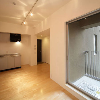 ワンルームの空間です。※写真は同じタイプの別部屋