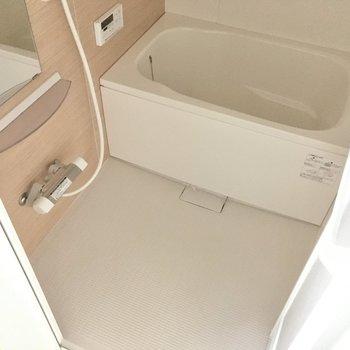 サーモ水栓&浴室乾燥、追焚付き!お風呂の時間が好きになりそう。