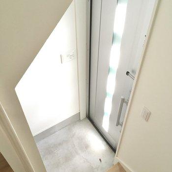 玄関はすこしコンパクトかな?