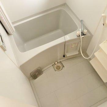 浴室はシンプル。くつろげそう♪
