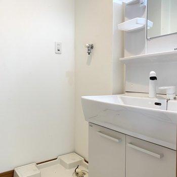使いやすそうな洗面台。(※写真は6階の同間取り別部屋のものです)