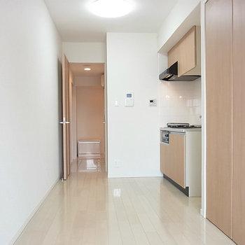 内装は至って普通※写真は4階の同間取り別部屋のものです