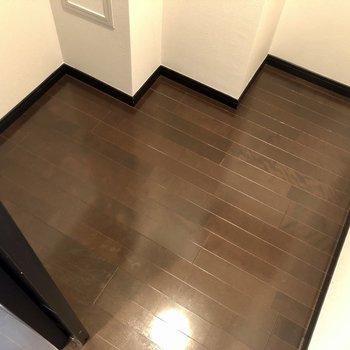 【上階】床面もボックスなどで有効活用できます。
