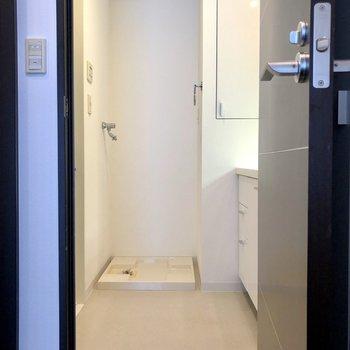 続いて設備へ。バスルームは上階にあります。