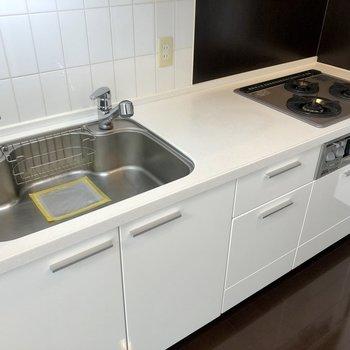 【下階】調理場が広いので効率よく料理ができます。
