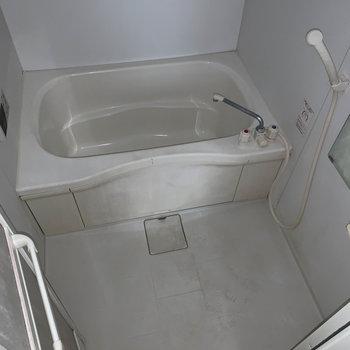 お風呂はシンプルな作り。※ 写真は前回募集時のものです