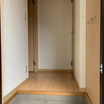 玄関部分も広めです。※ 写真は前回募集時のものです