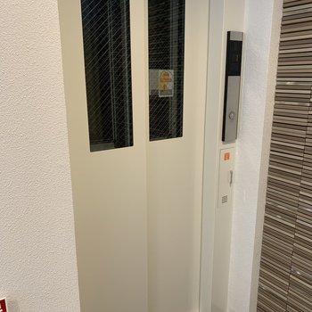 エレベーターつきです