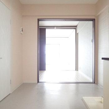 DK】左手の扉は脱衣所です。
