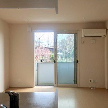 【LDK】1階なので室内干しもできるように配慮されています。※写真は通電前のものです