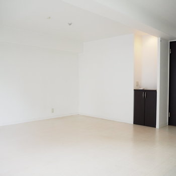 かっこいい家具が映えそうです!※写真は6階反転間取り・別部屋のものです